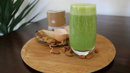 Olivia Arezzolo Shares Her  Winter Probiotic Green Smoothie Recipe