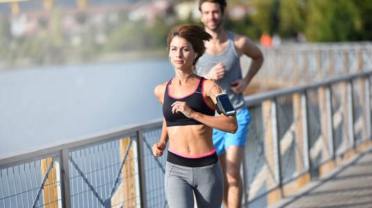 6 Surprising Benefits Of Music On Your Running Performance