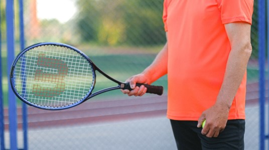 A Beginner's Guide To Tennis Racquet Specs